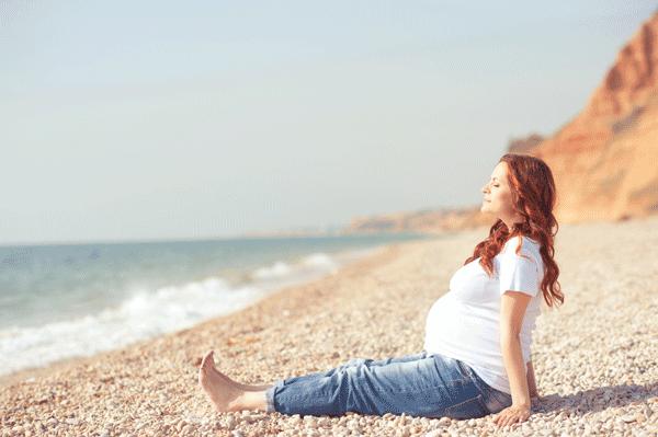 Как справляться с отеками во время беременности